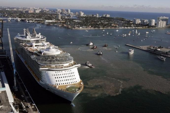 比泰坦尼克大5倍 揭秘世界上最大的游轮