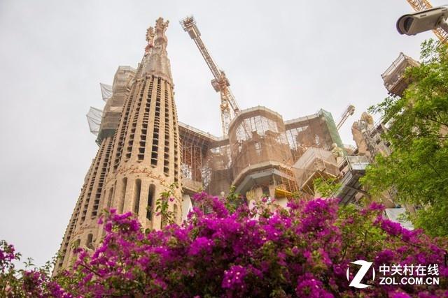 大C游世界 西班牙圣家族大教堂的内景
